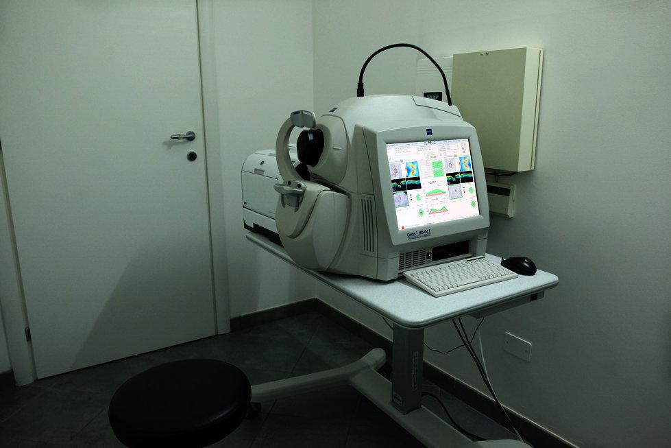 Attrezzature e strumenti diagnostici  per analii  della vista
